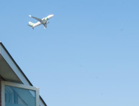 Rotterdam Airport stelt besluit toekomstplannen luchthaven uit